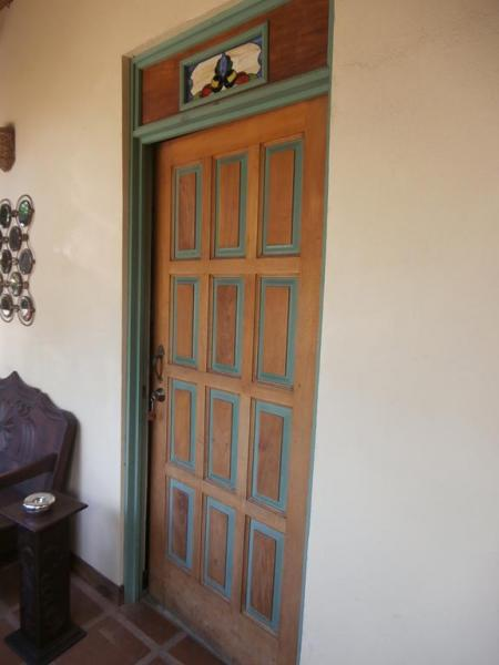 Queen room-door